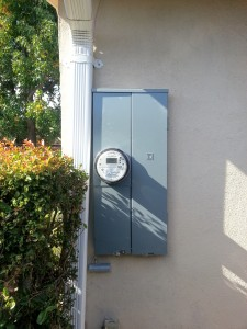 200Amp panel in mountain view. Stucco repair by Orlando Martinez.